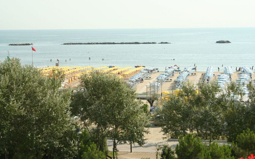 Spiaggia & Piscina